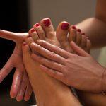 masaje-pies-mujer-spa_144627-2086 (1)