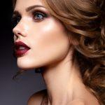 retrato-primer-plano-mujer-hermosa-maquillaje-brillante_162568-134